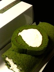 森半の抹茶ロールケーキ